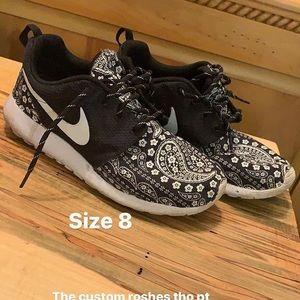 Nike roshe customs size 8 women's